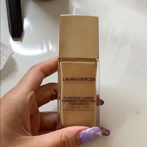 Laura mercier flawless lumiere
